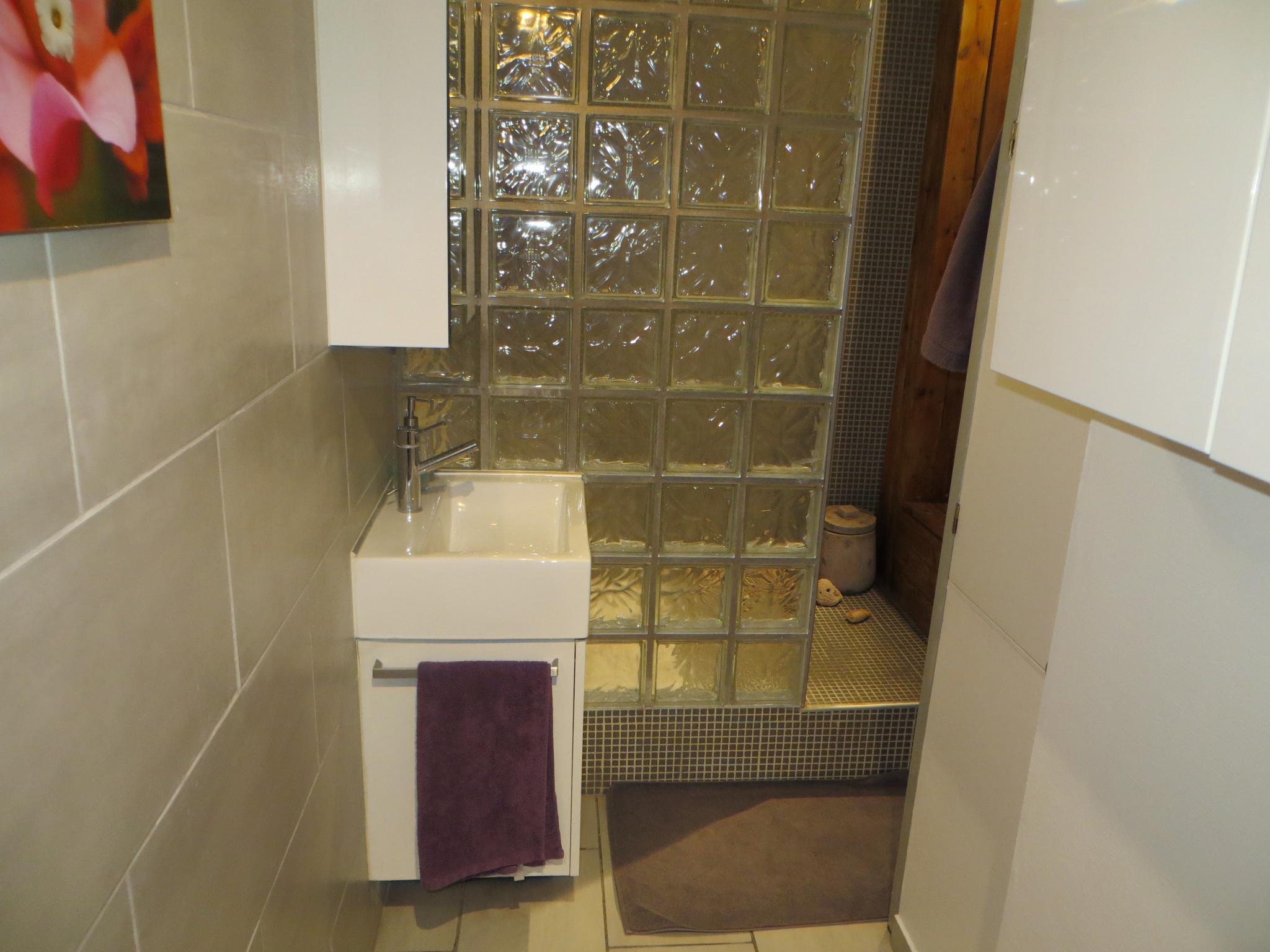 t2-meuble-43m2-1323-euros-toutes-charges-comprises