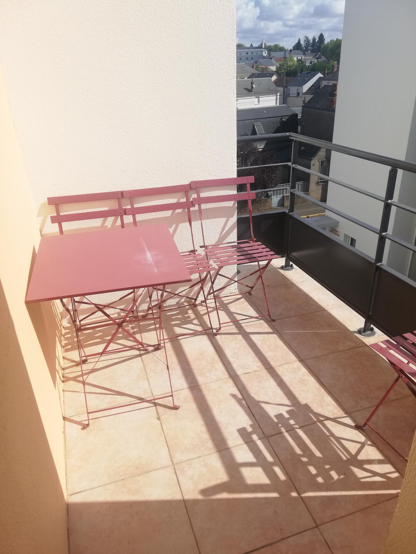 tours-studio-meuble-21-4-m2-469-cc-place-de-parking